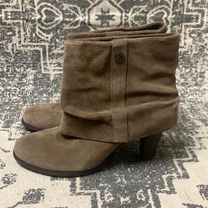 BCBG suede ankle boot 8.5